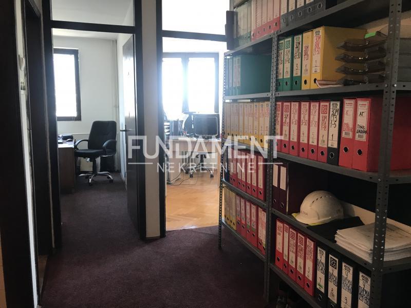 Poslovni prostor Izdavanje BEOGRAD Savski Venac Palata Pravde